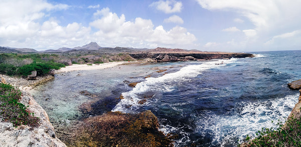 Boka Grandi (Big Bay) has a secluded beach accessible within Curacao's National Christoffel Park.