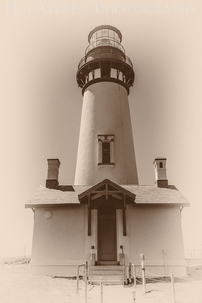 Yaquina Head Lighthouse<br /> Newport, Oregon<br /> 1608O-YHL5BW2