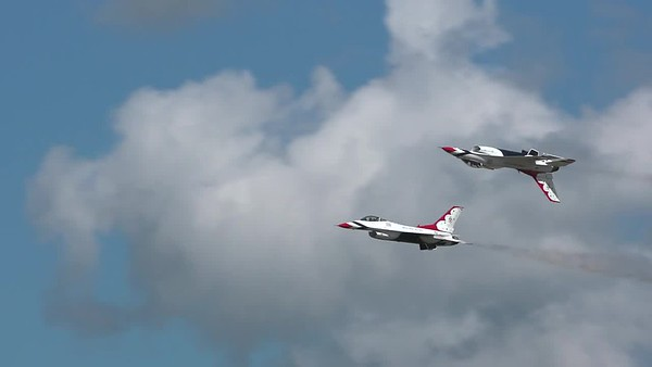 Air Force Thunderbirds Perform Demo at F-AIR Colombia