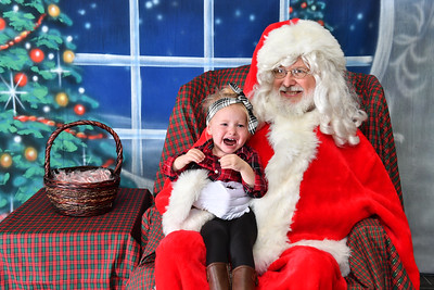 Coldwell Banker Gundaker Santa 2016-910