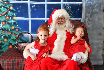 Coldwell Banker Gundaker Santa 2016-879