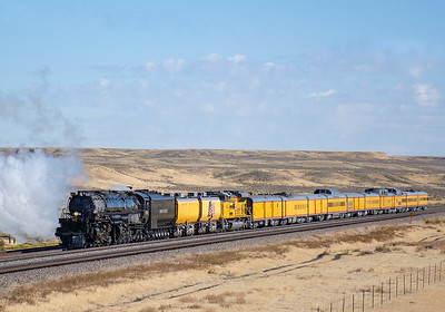September 30, 2019.  Arriving Granger, Wyoming.  This was a bit of a disappointment, although not unexpected.  Back in May the 4014 together with the 844 arrived Granger at sunrise on a clear cold morning, putting up a monumental plume of sunrise-colored steam....and the pictures of that arrival convinced me I needed to see 4014.  But given the much later arrival this time around, it was not to be repeated.  And I knew that.  But I had to come, it was almost like a pilgrimage.