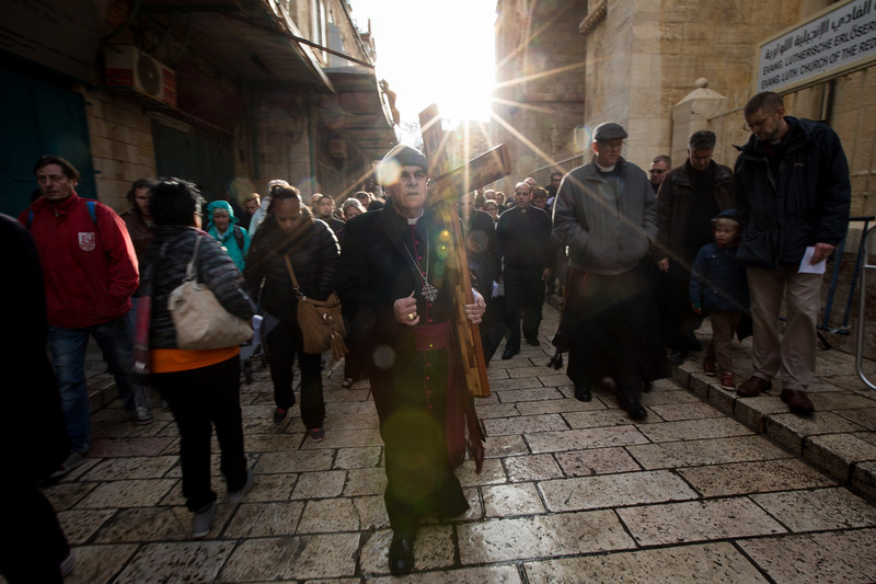 Lutheran and Anglican Good Friday procession on the Via Dolorosa. Photo by Ben Gray / ELCJHL