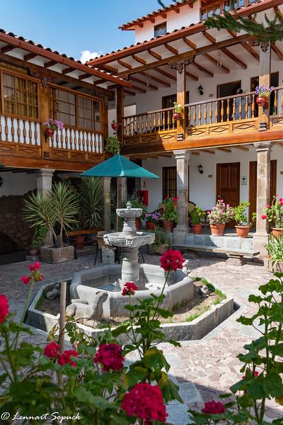 Rumi Punku hotel in Cusco showing courtyard