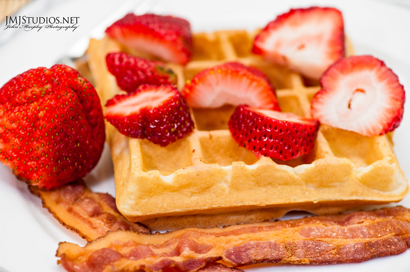 Belgen waffle with strawberries