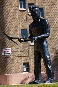World's Tallest Miner Helper UT_1309