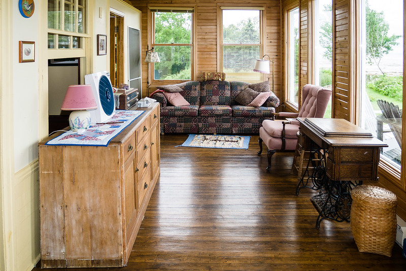 Cottage interior-1110013