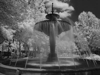 Gore Park Fountain in Infrared _1080143