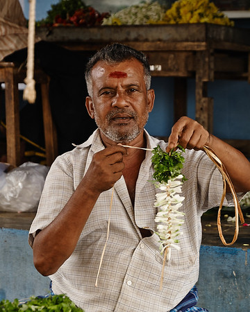 The garland maker