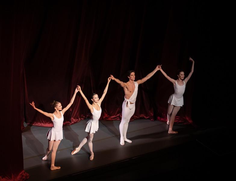 Daria Ionova, Maria Khoreva, Xander Parish, Anastasia Nuikina, Apollo, November 1, 2018