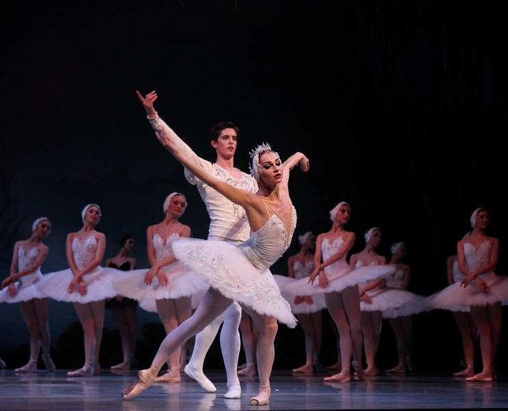 Oxana Skorik and Xander Parish, Mariinsky Ballet, Swan Lake, January 22, 2015