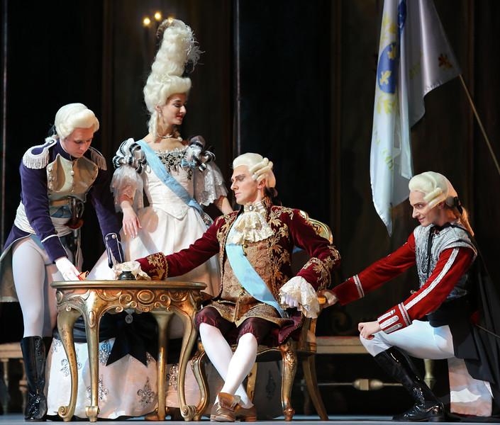 Queen Marie Antoinette, King Louis XVI, Marquis de Beauregard, played by Alla Matveyeva, Alexey Malakhov, Mikhail Venshchikov, Flames of Paris, November 14, 2014
