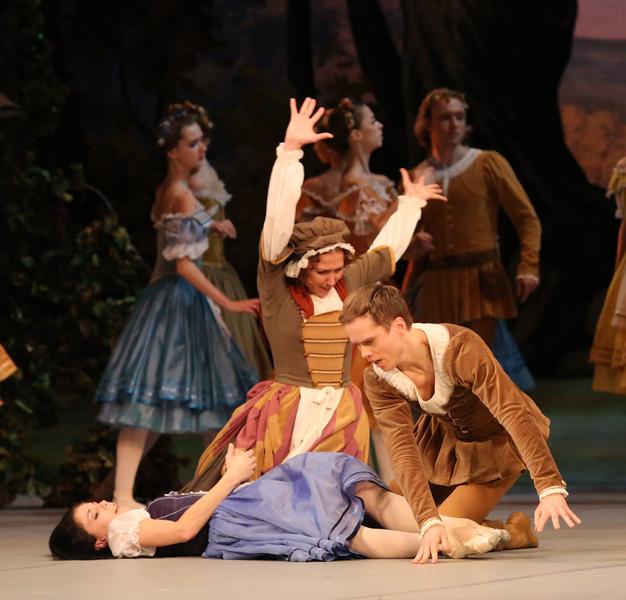 Natalia Osipova, Ana Novosyolova, and Leonid Sarafanov, Mikhailovsky Ballet, Giselle, November 11, 2014