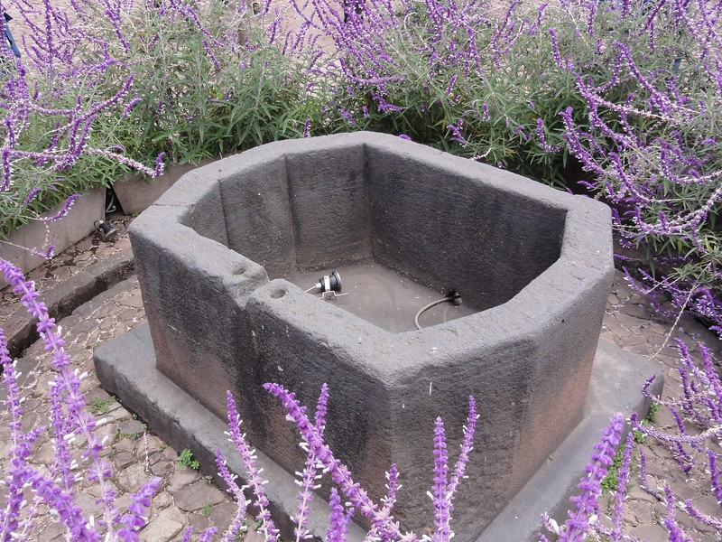"Monolithic Inca ""bathtub""."