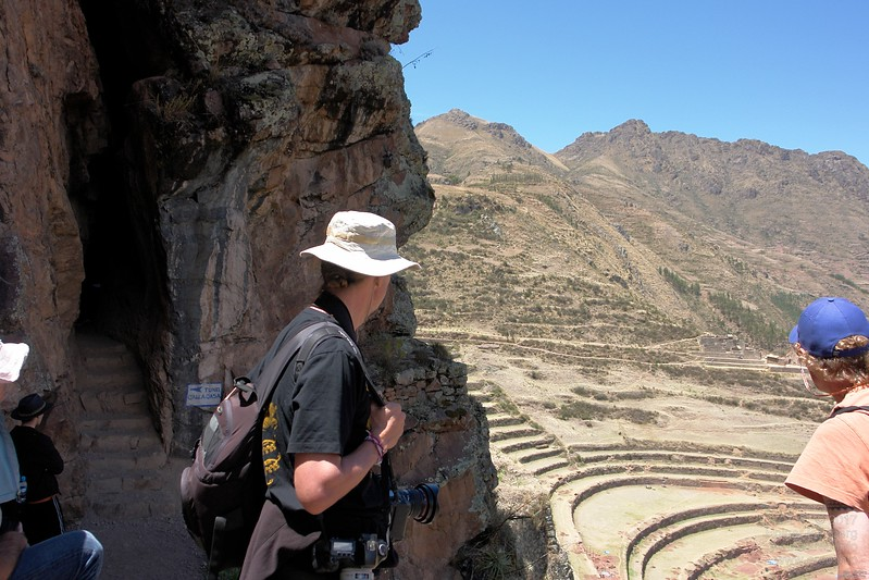 The different levels of Pisac are connected by tunnels and narrow paths along the steep mountain slopes.