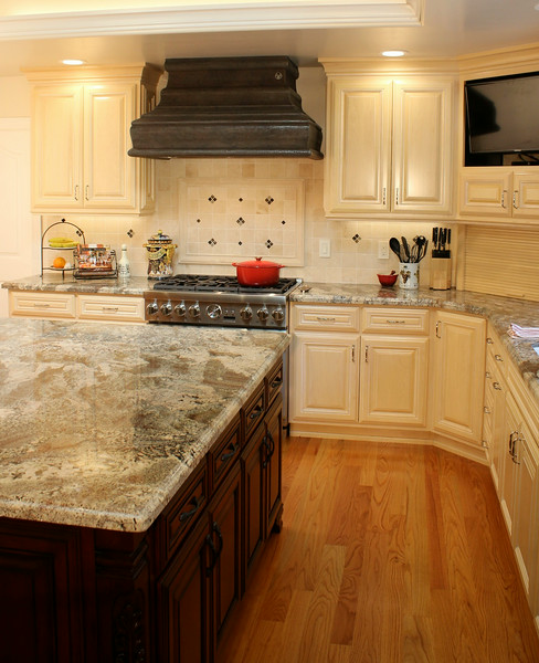 Because of the wild visual texture of this gorgeous granite, as well as this original floor, we were careful not have too much texture elsewhere.