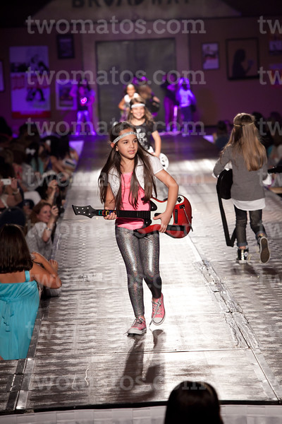sttim_fashion14_0513
