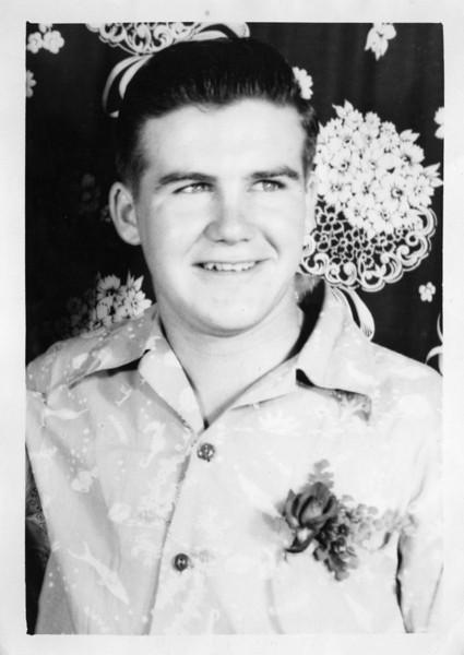 Leo Fitzgerald in Hawaii (1947).