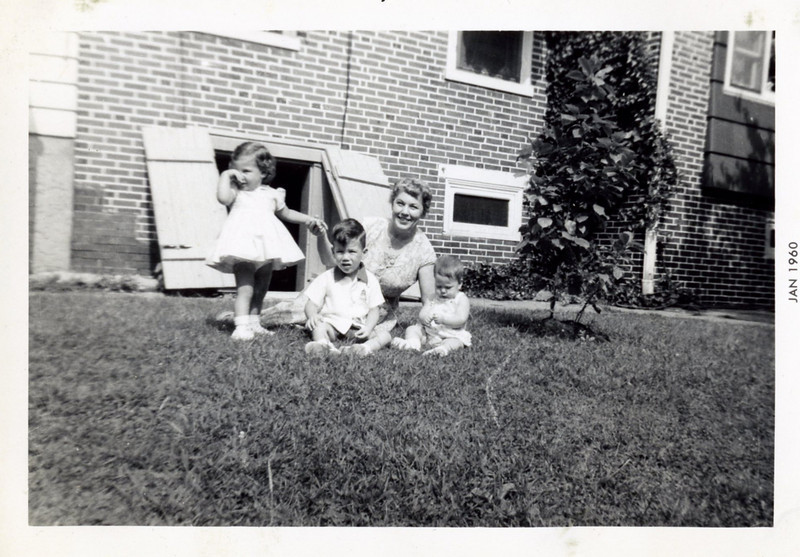 Kathy, Tom, Grandmom and Cindy Wood