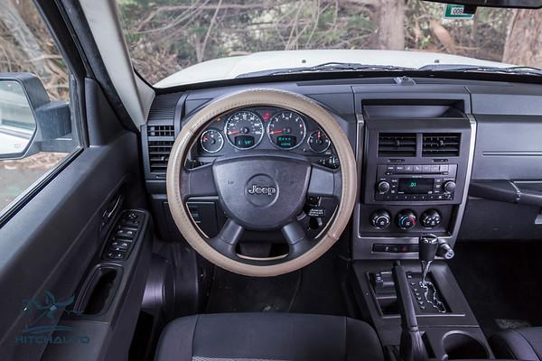 JeepCompass_White_7YQY682_Logo_TuroReady-8694