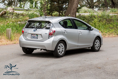 ToyotaPrius_Silver_7HWM606_Logo_TuroReady-8016