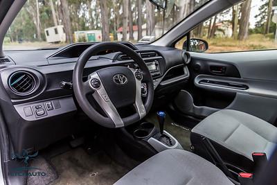 ToyotaPrius_Silver_7HWM606_Logo_TuroReady-8147