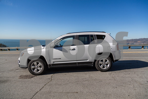 JEEP_COMPASS_WHITE_7ALJ400-12