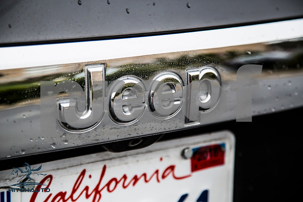 JeepGrandCherokeeLaredo_Dark Grey_7CGY261_LOGO-17