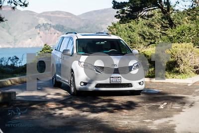 Toyota_Sienna_XLE White_6VJJ472_LOGO-9