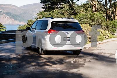 Toyota_Sienna_XLE White_6VJJ472_LOGO-12