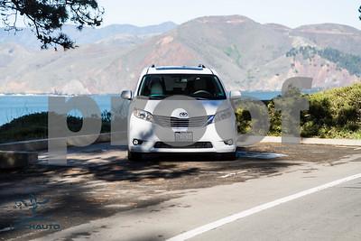 Toyota_Sienna_XLE White_6VJJ472_LOGO-8