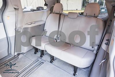 Toyota_Sienna_XLE White_6VJJ472_LOGO-25