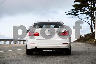 BMW320i_ White_ 7VZV8584-2