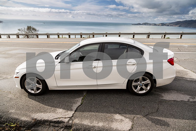 BMW320i_ White_ 7VZV8584-22