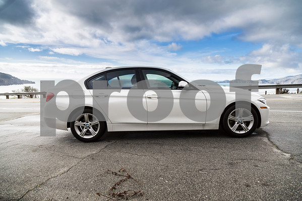 BMW320i_ White_ 7VZV8584-6