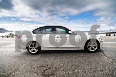 BMW320i_ White_ 7VZV8584-6