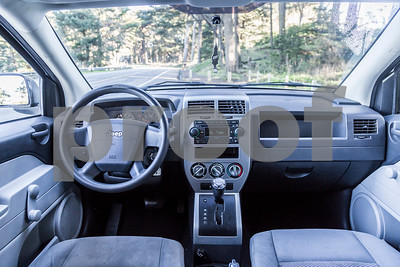 Jeep_Compass_White_5WUT913-32