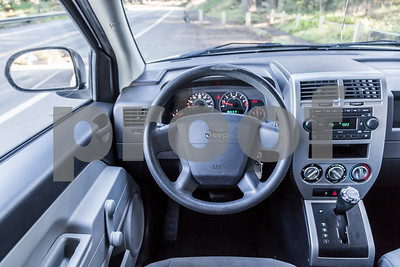 Jeep_Compass_White_5WUT913-27