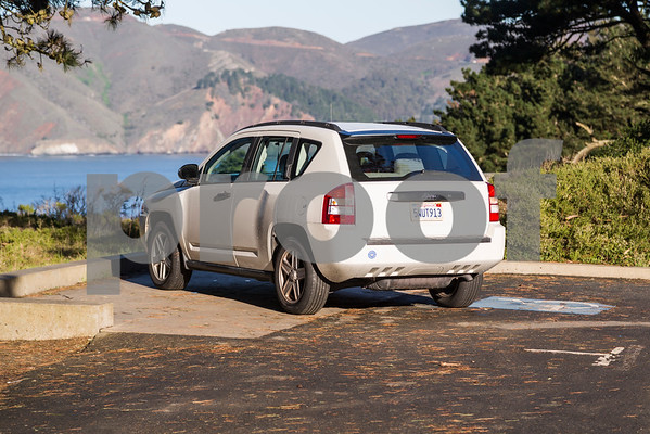 Jeep_Compass_White_5WUT913-1
