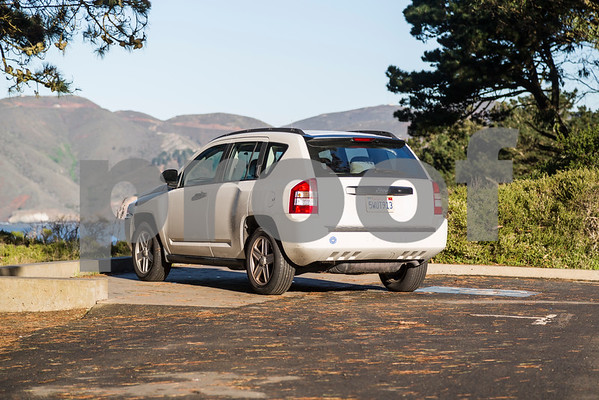Jeep_Compass_White_5WUT913-2