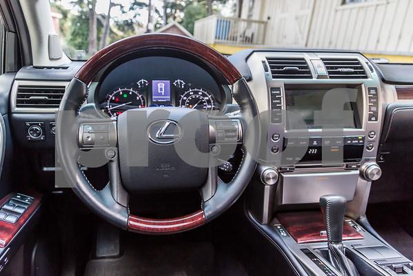 LexusGX460_Silver_7UTC493-44