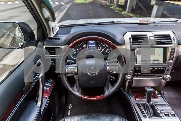 LexusGX460_Silver_7UTC493-43