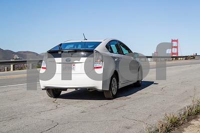 Toyota_Prius_White_6RTD868-4