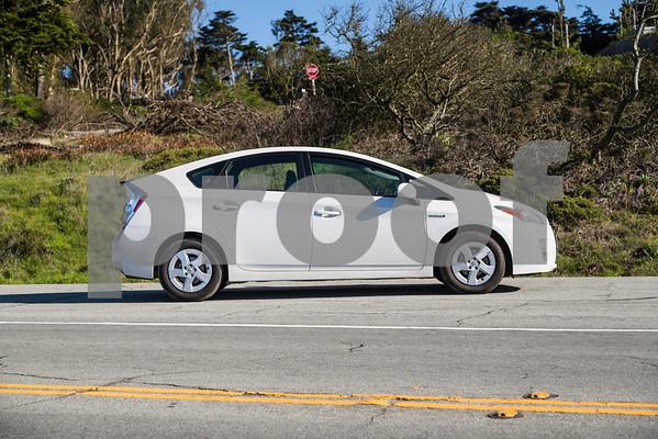 Toyota_Prius_White_6RTD868-17