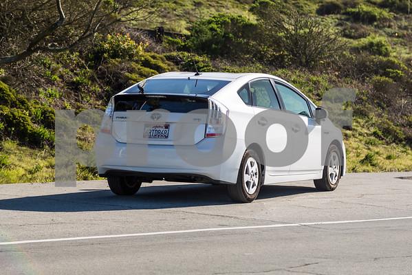 Toyota_Prius_White_6RTD868-19