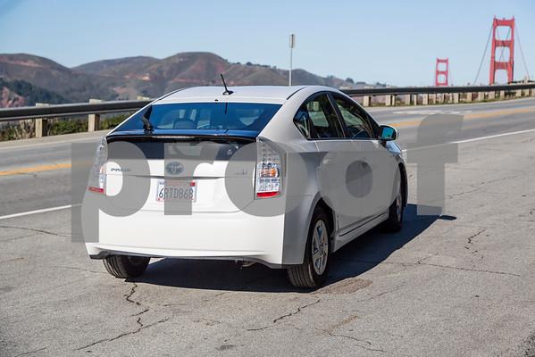 Toyota_Prius_White_6RTD868-3
