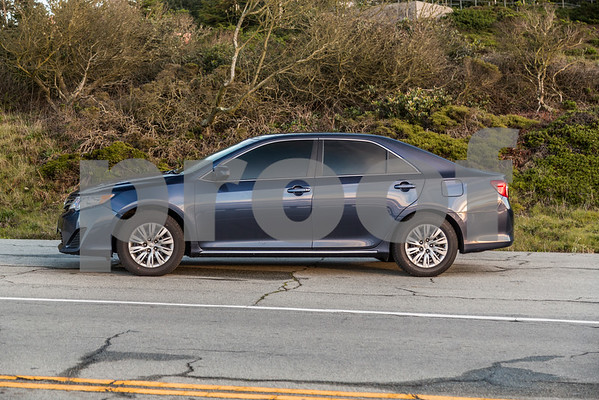 Toyota_Camry_Blue_7V7V850-3