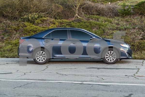 Toyota_Camry_Blue_7V7V850-17
