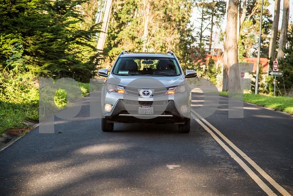 ToyotaRAV4XLE_Silver_7HPB731-8