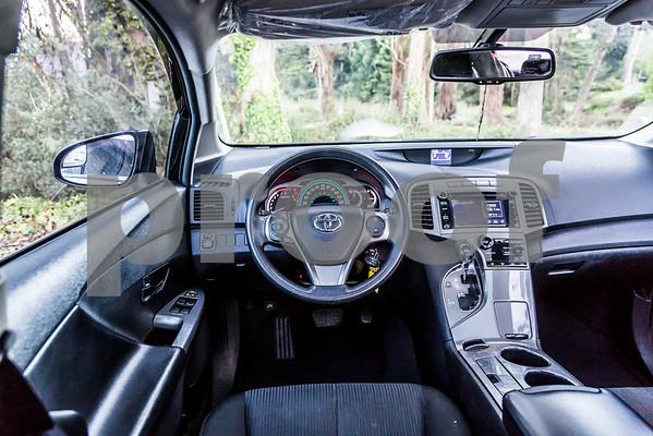 ToyotaVenzaLE_Black_7UTC490-33